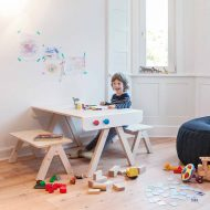 modern-kids-furniture-modern-kids-desk-Famille-Garage-Richard-Lampert_2