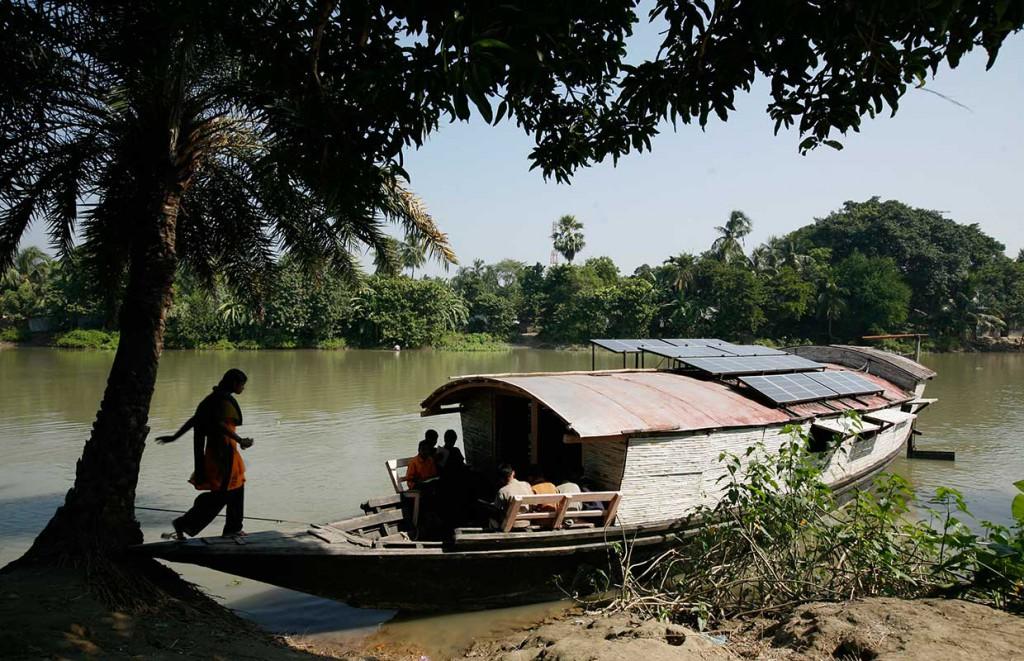 architecture-for-children-shidhulai-floating-school-Bangladesh_7