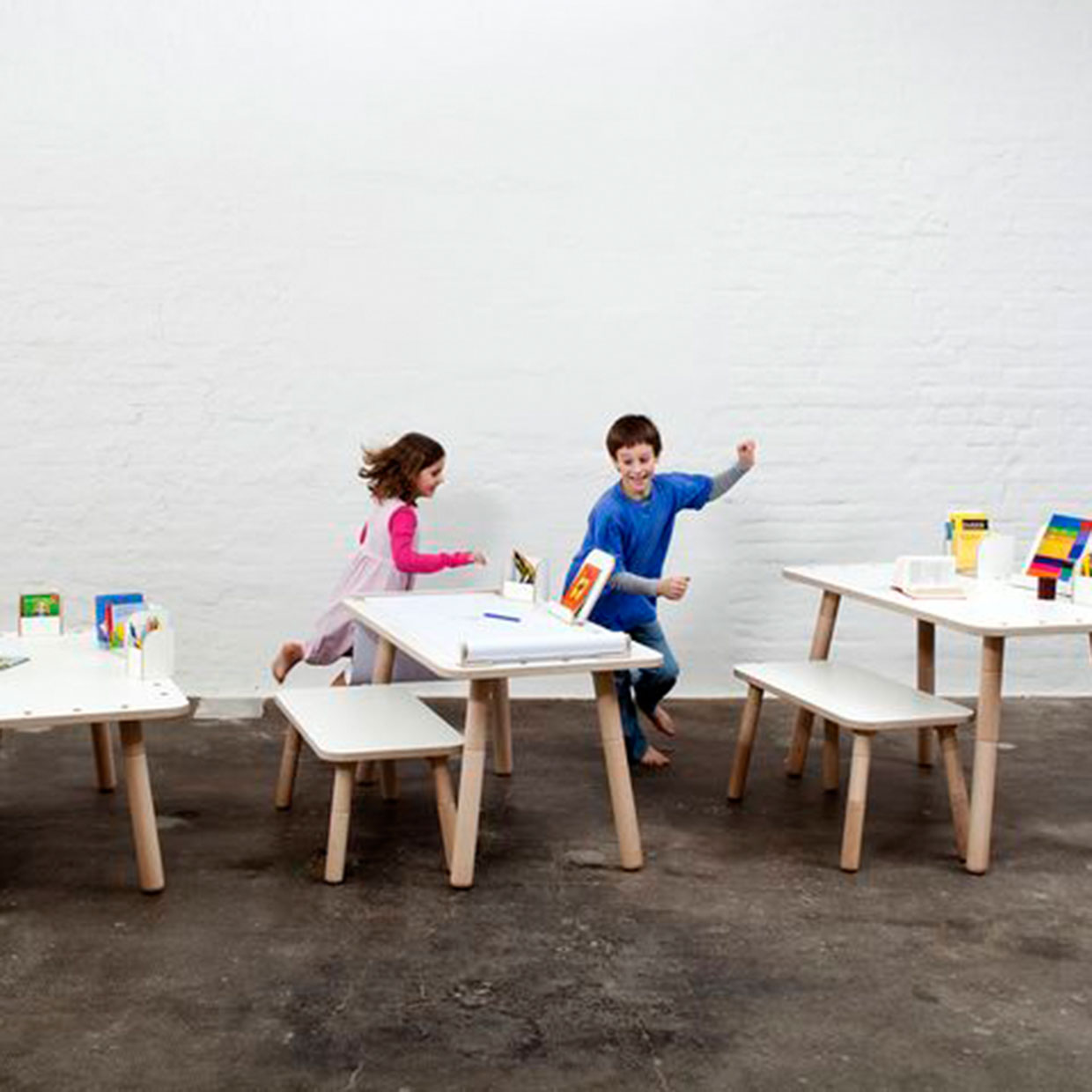 GROWING TABLE U2013 Desk For Children That Grows By Pure Position