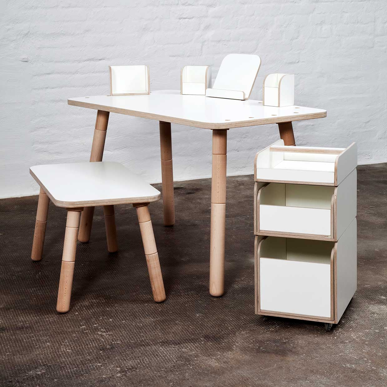growing table – desk for children that grows with them - prev