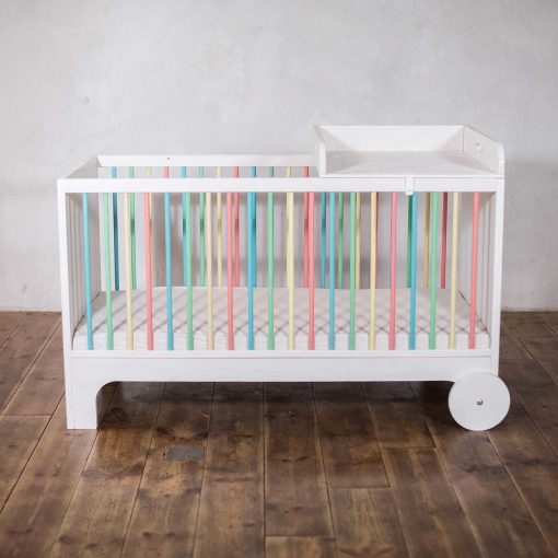modern-kids-eco-furniture-growing-bed-ekomia-Lumy_1