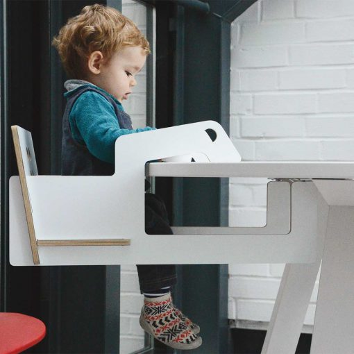 modern-kids-furniture-table-hanging-chair-Studio-Niruk_2