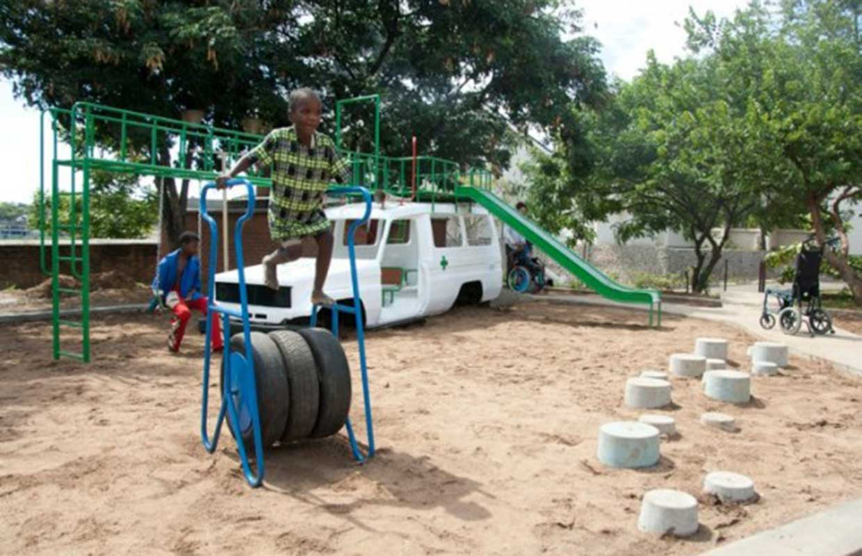 unique-playground-ambulance-playground-super-local_malawi_1