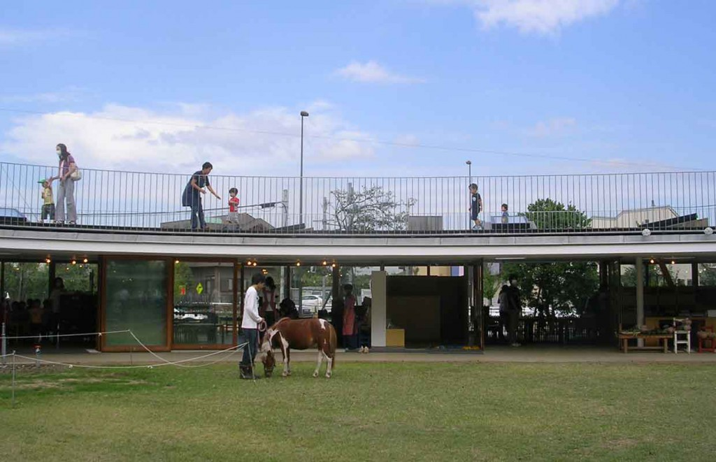 educational-architecture-kindergarten-architecture-tezuka-architects-fuji-kindergarten-tokyo_2