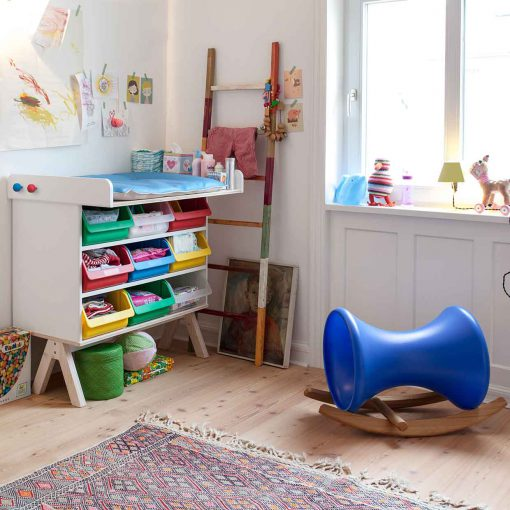 modern-kids-furniture-growing-furniture-Famille-Garage-Richard-Lampert_2