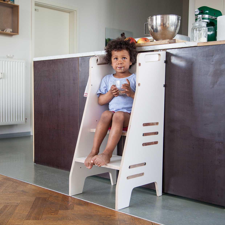 learning tower carl growing furniture afilii design for kids. Black Bedroom Furniture Sets. Home Design Ideas
