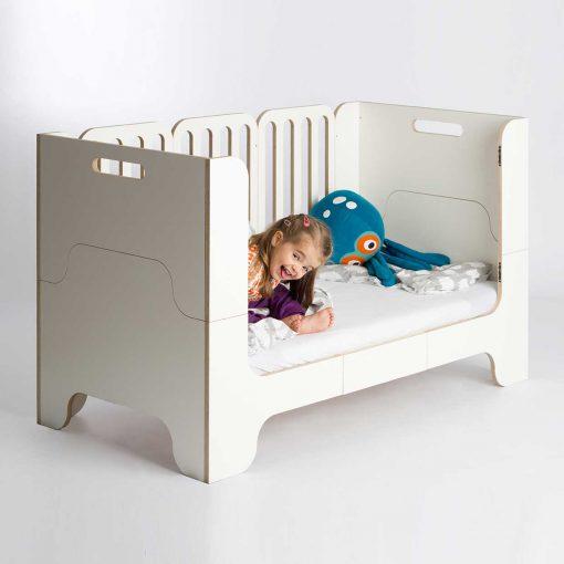 growing-bed-modern-kids-furniture-Wilja-minimalmaxi_4