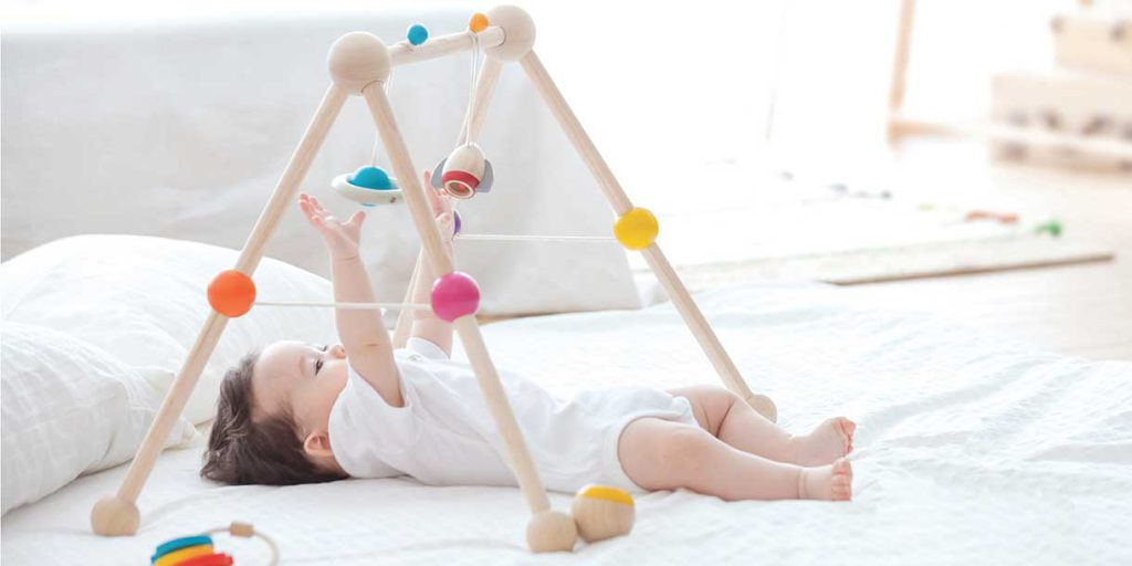 playfurniture-PlanToys-babygym_3