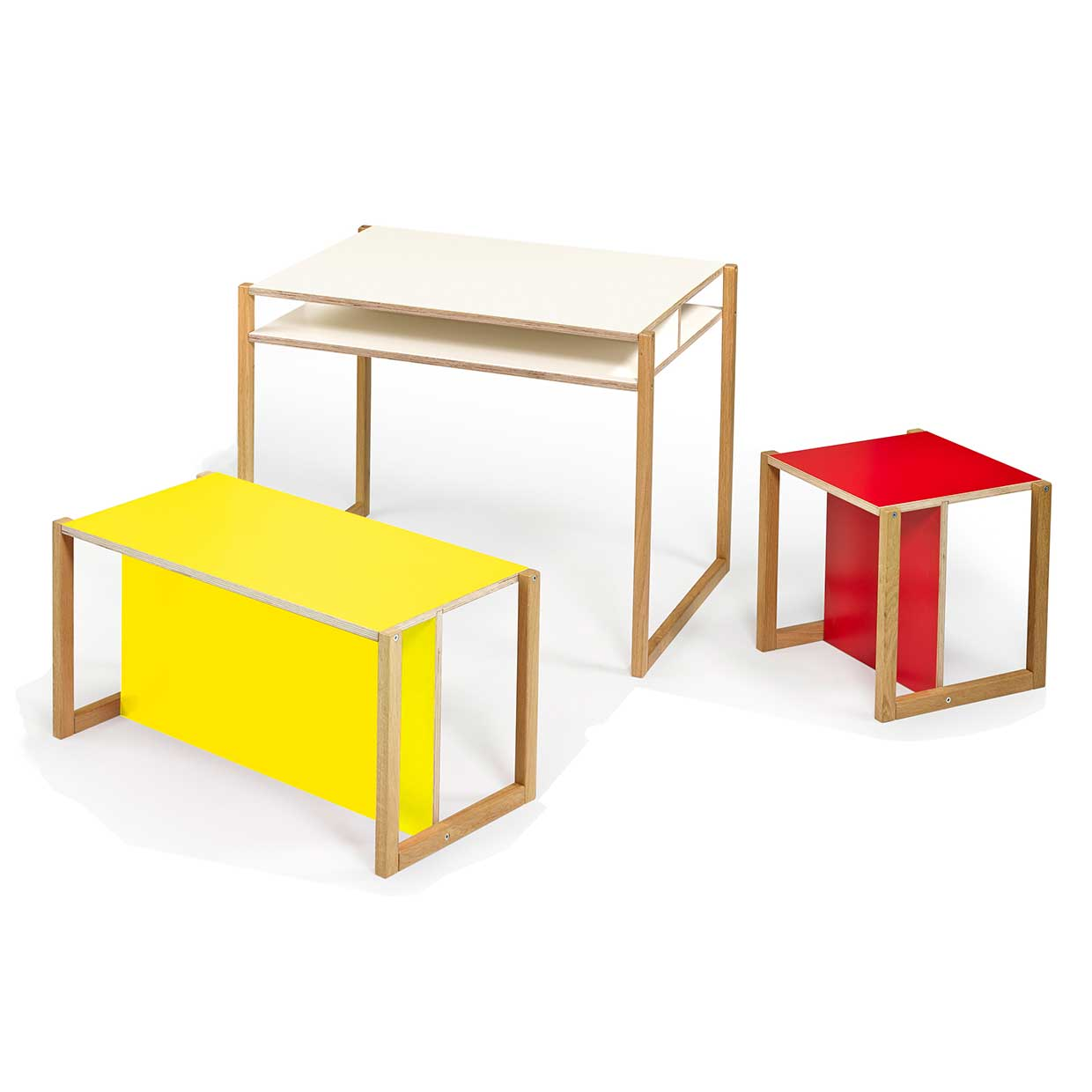 Jynx series growing furniture by daniel hahnemann for Modern kids furniture