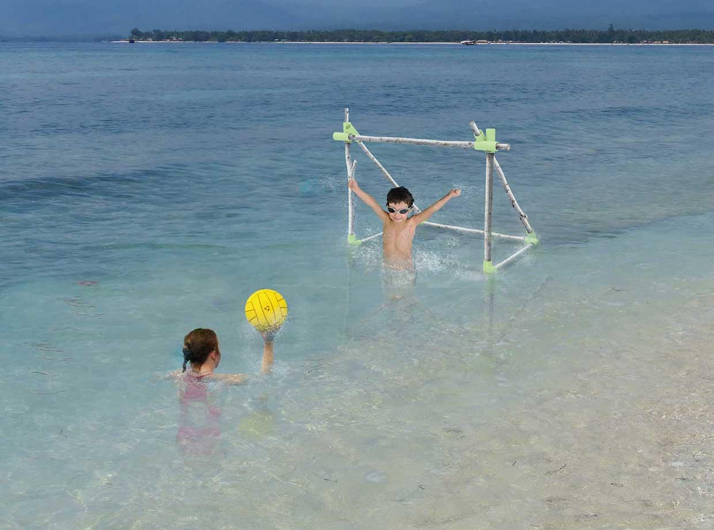 creative-toys-for-kids-citron-kiwi-et-poire-by-Quentin-Vialard-Julian-Lois_1