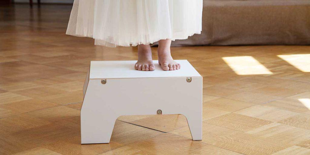 modern-kids-furniture-stool-for-children-Prinzenkinder_2