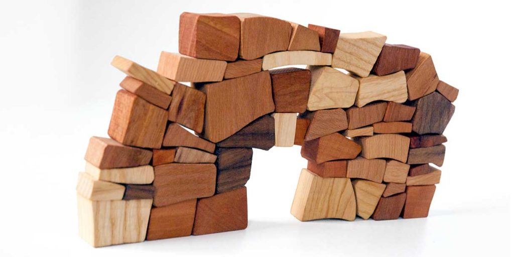 creative-toys-for-kids-eco-toys-wooden-bricks-mauerspiel-lessing-produktgestaltung_6