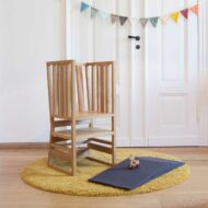 zaunkoenig-learning-tower-high-chair-play-furniture-credit-yvonne-most-fotografie-1