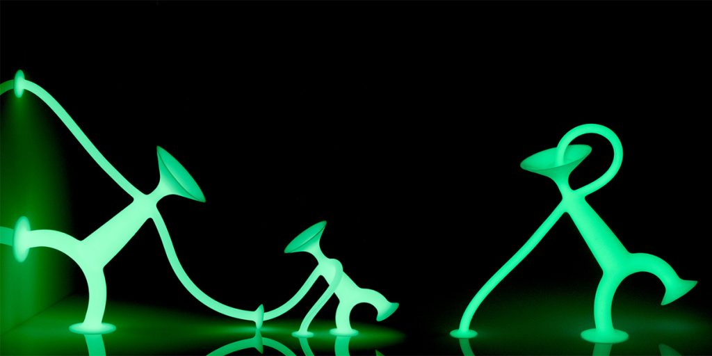 creative-toys-for-kids-open-ended-play-oogi-glow-by-moluk-3