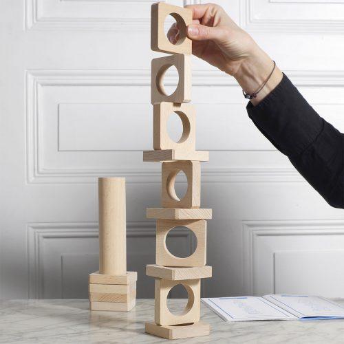 natural-wooden-building-blocks-Staka-by-Helvetiq