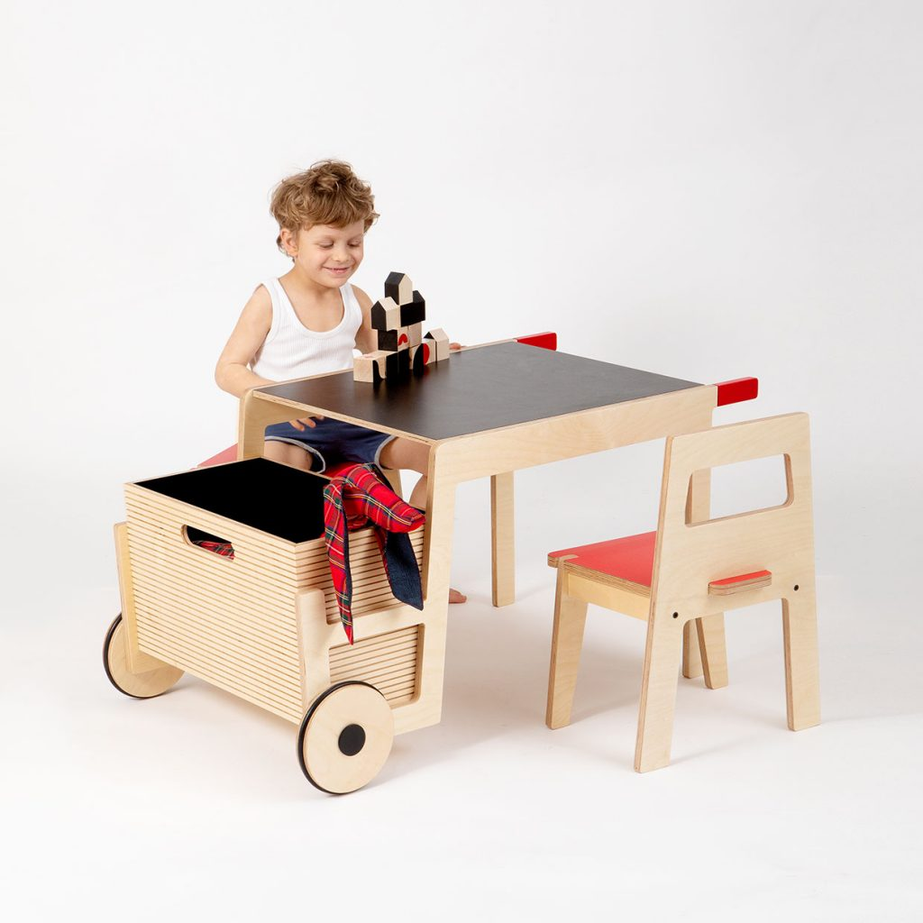 playful-childrens-play-table-wheelbarrow-table-by-Sarit-Shani-Hay_3