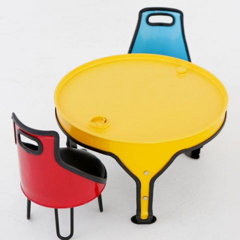recycled-chair-for-children-by-Sang-Jung-Lee_Titel
