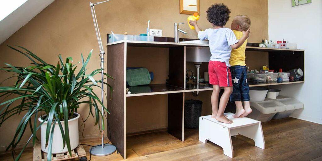 designer-childrens-furniture-stool-for-children-by-prinzenkinder-9