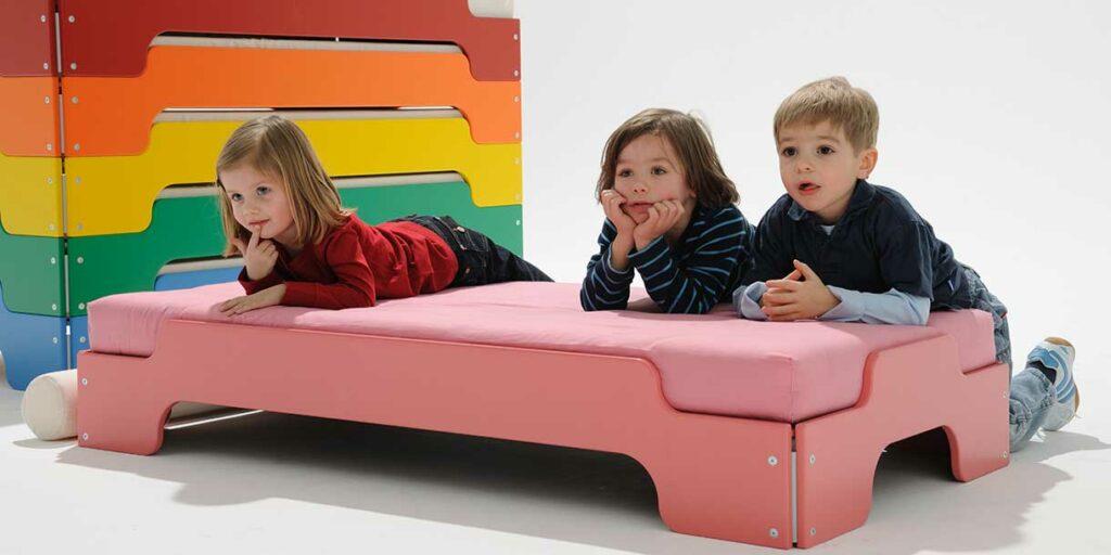 stackable-bed-stapelliege-mueller-moebelwerkstaetten-1