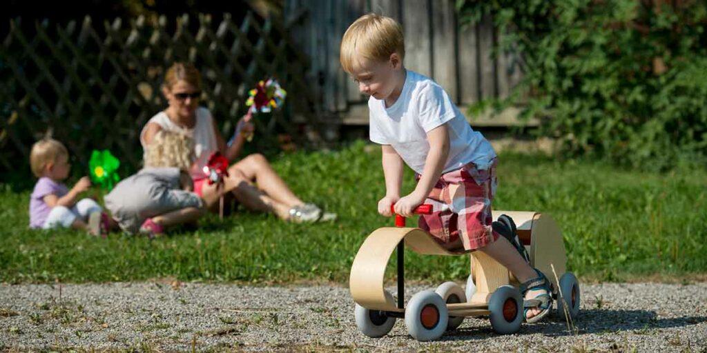 wooden-push-car-max-sibis-sirch-3