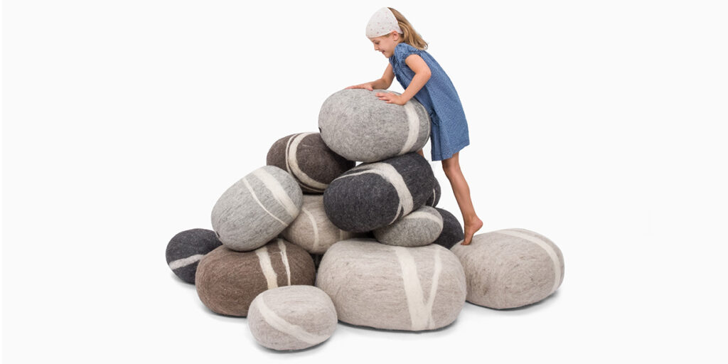 ecological-felt-pebble-cushions-for-children-myfelt-1