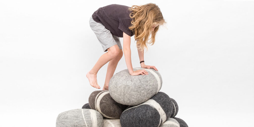ecological-felt-pebble-cushions-for-children-myfelt-3