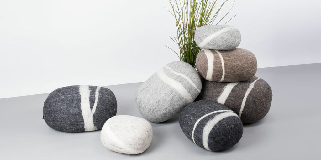 ecological-felt-pebble-cushions-for-children-myfelt-9
