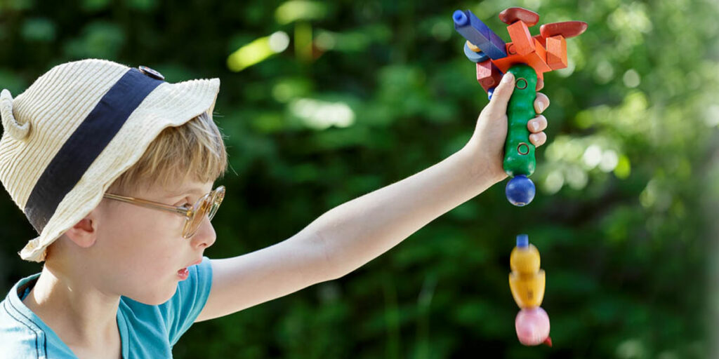handmade-classic-wooden-toy-kellner-steckfiguren-2