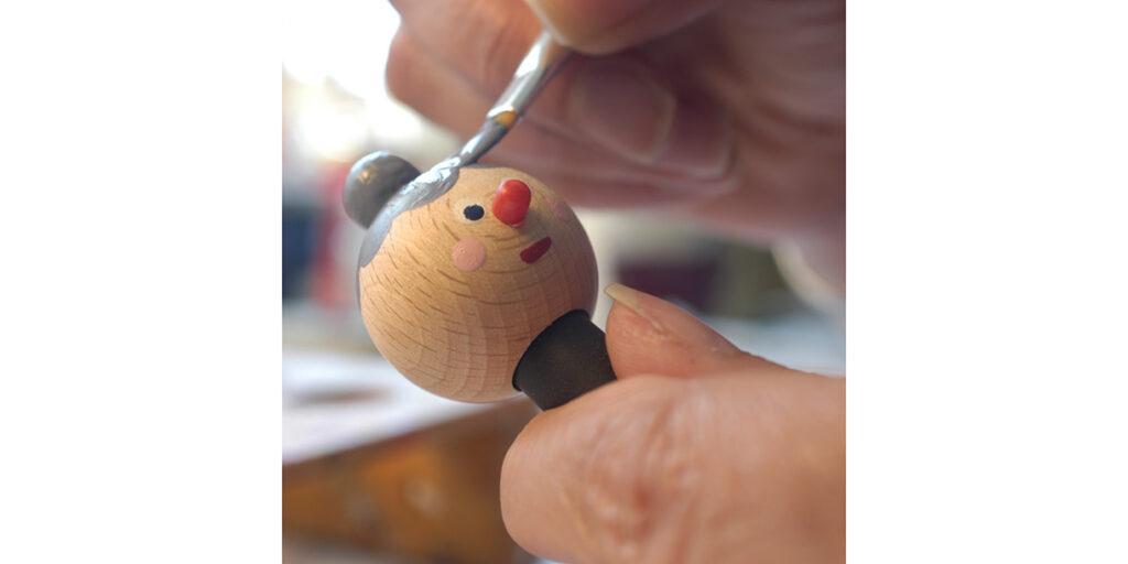 handmade-classic-wooden-toy-kellner-steckfiguren-5