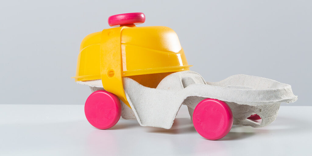 toyi-open-ended-upcycling-toy-set-4