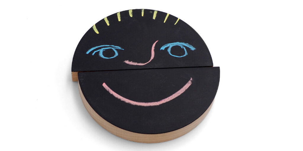creative-wooden-toys-for-kids-emo-chalking-by-wodibow-3