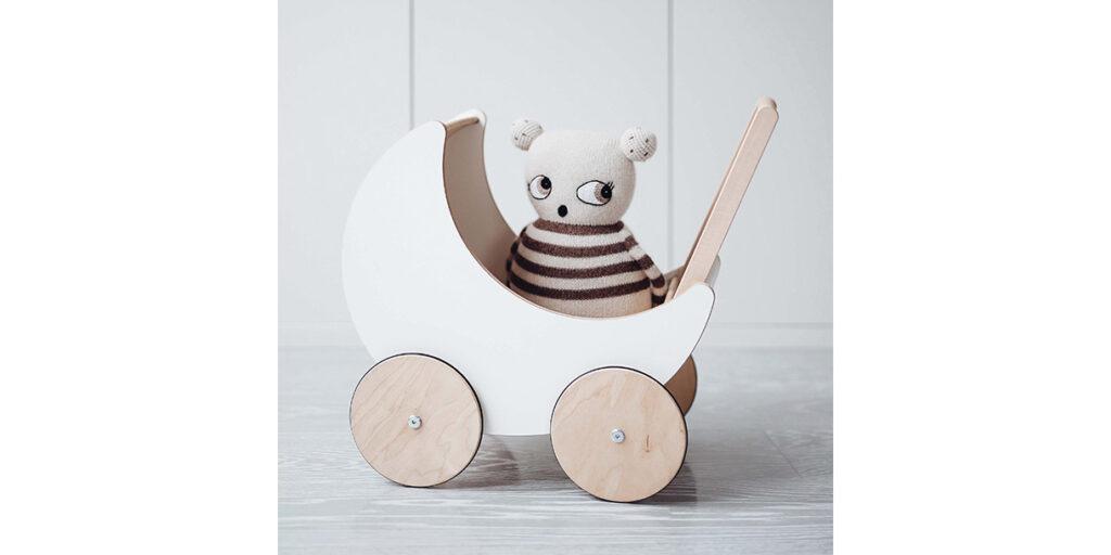 wooden-dolls-pram-by-ooh-noo-1
