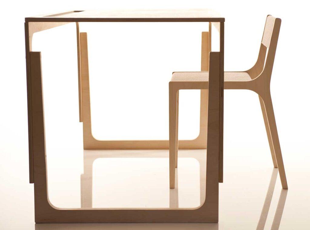 height-adjustable-childrens-desk-vaclav-sirch-2