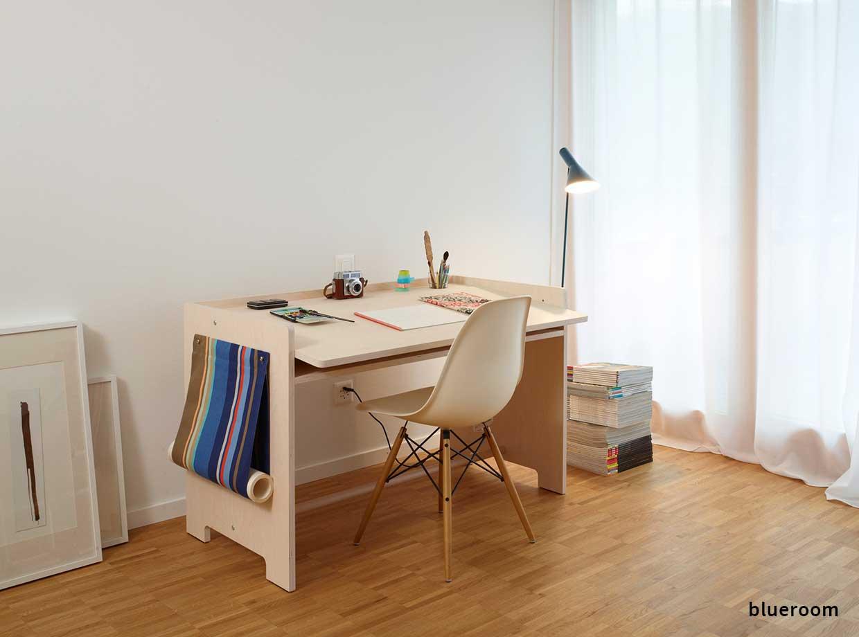 heigth-adjustable-childrens-desk-blueroom-cover-brand-2