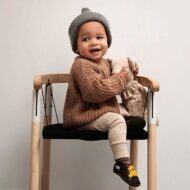 ergonomic-chair-for-children-ika-swing-chair-tink-things-credit-ilsevanbecelaere-1