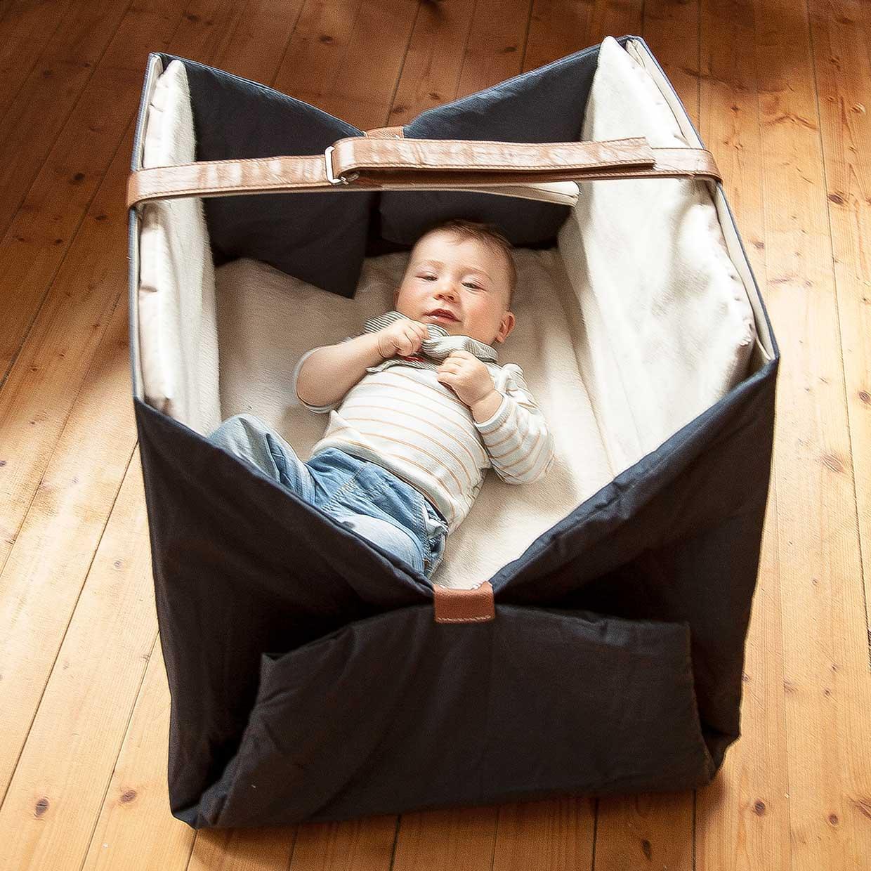 spielmatten f r kinder afilii kindgerechtes design architektur. Black Bedroom Furniture Sets. Home Design Ideas