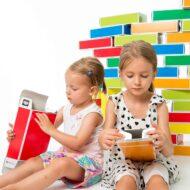 kreatives-Spielzeug-Spielzeug-aus-Pappe-colour-Bricks-Buntbox _2