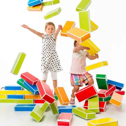 kreatives-Spielzeug-Spielzeug-aus-Pappe-colour-Bricks-Buntbox _6