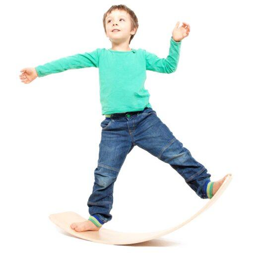 Balance-Board-kreatives-Spielzeug-aus-Holz-das-Brett-by-TicToys_1