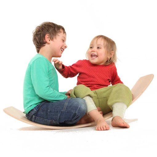 Balance-Board-kreatives-Spielzeug-aus-Holz-das-Brett-by-TicToys_4