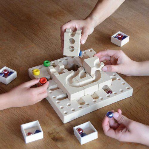 kreatives-Spielzeug-Kugelbahn-aus-Holz-Cuboro-tricky-ways-fasal