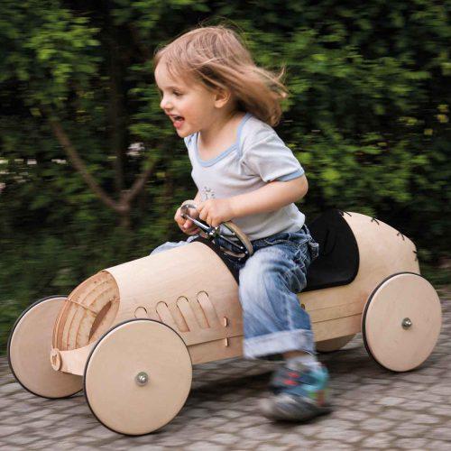 kreatives-Spielzeug-Rutschauto-Holz-phim-flink1
