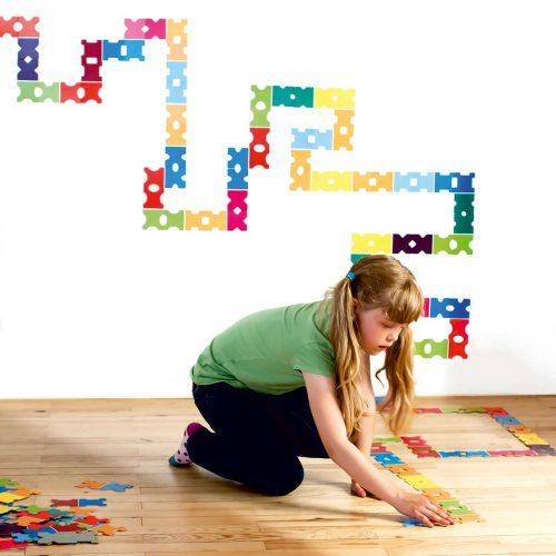 kreatives-Spielzeug-Dominospiel-Colorconda-by-SIEBENSACHEN