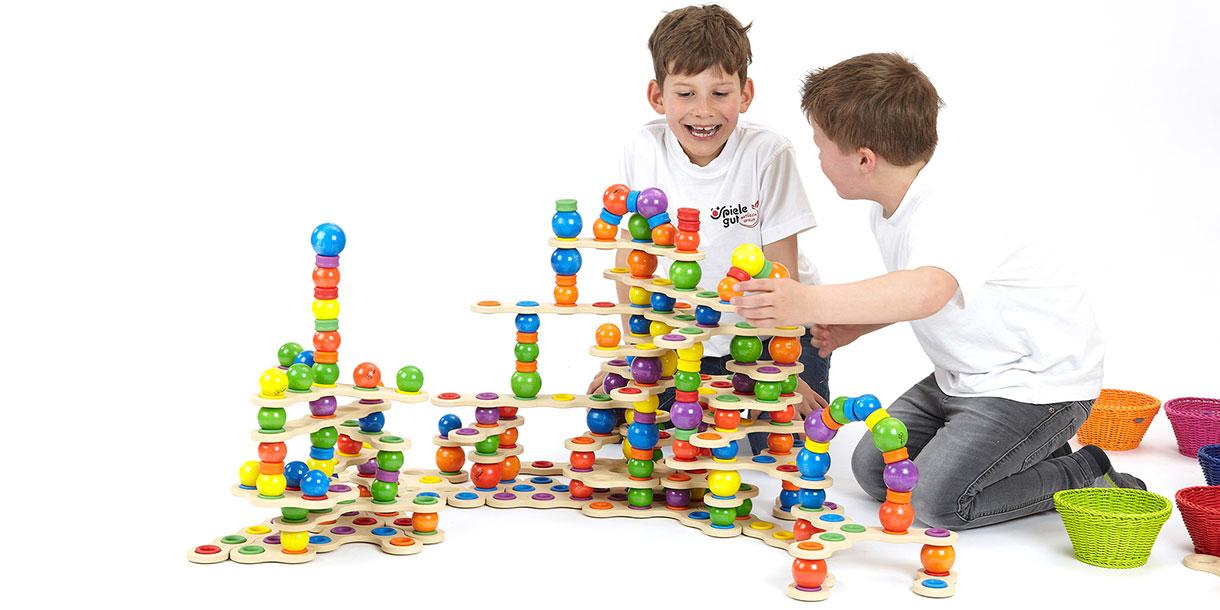 Spielzeug-aus-Holz-kreatives-Spielzeug-studio-gross-klein_3