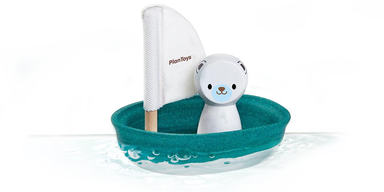 nachhaltiges-spielzeug-sailing-boat-polar-bear-plantoys-10