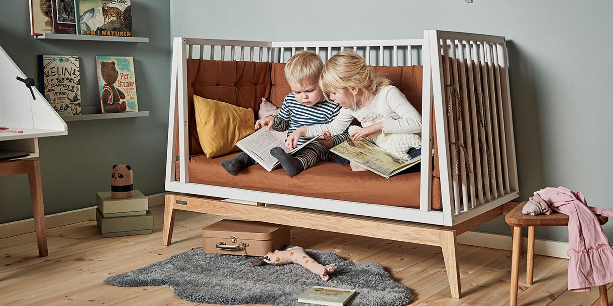 design-kindermoebel-babybett-mitwachsend-linea-leander-2