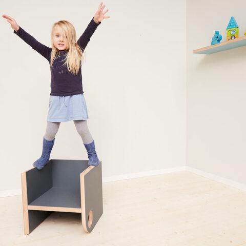 mitwachsende-design-kindermoebel-bekind-1