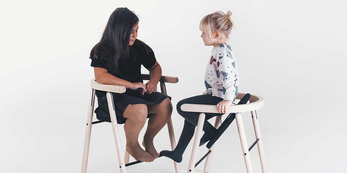 ergonomische-bio-kindermboebel-ika-chair-tink-things-studio-4