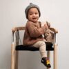 ergonomischer-stuhl-fuer-kinder-ika-swing-chair-tink-things-credit-ilsevanbecelaere-1